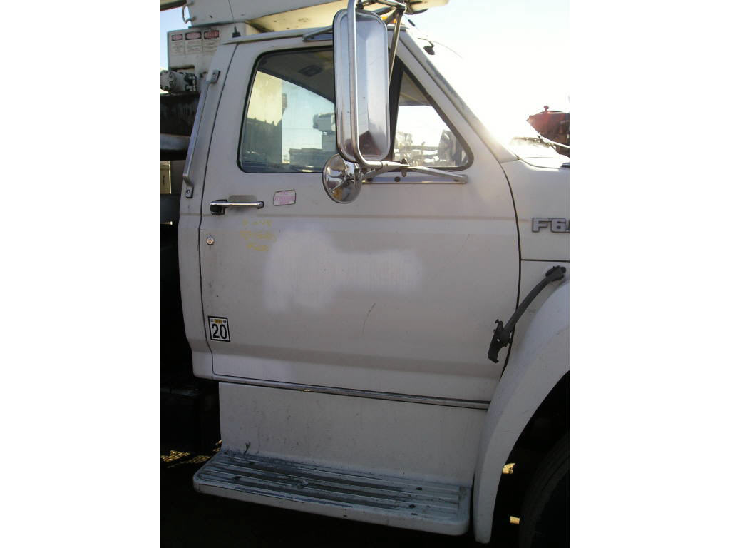 1989 Ford F-600 CAB ONLY