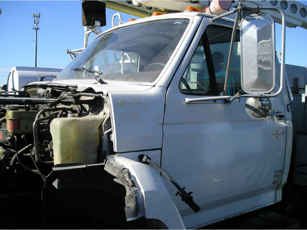 1988 Ford F-600 CAB ONLY