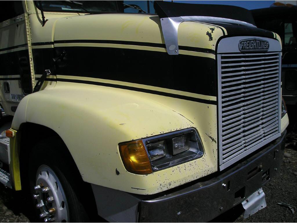 1996 Freightliner HOOD ONLY==