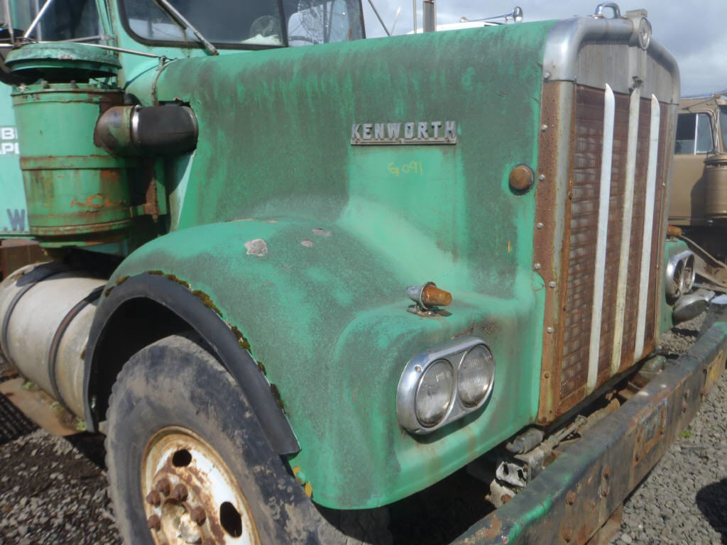 1966 Kenworth W900