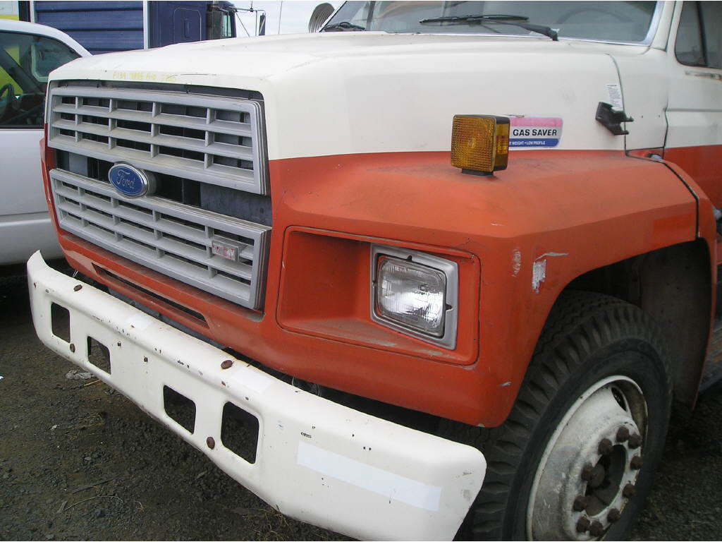 1985 Ford F-700 HOOD ONLY