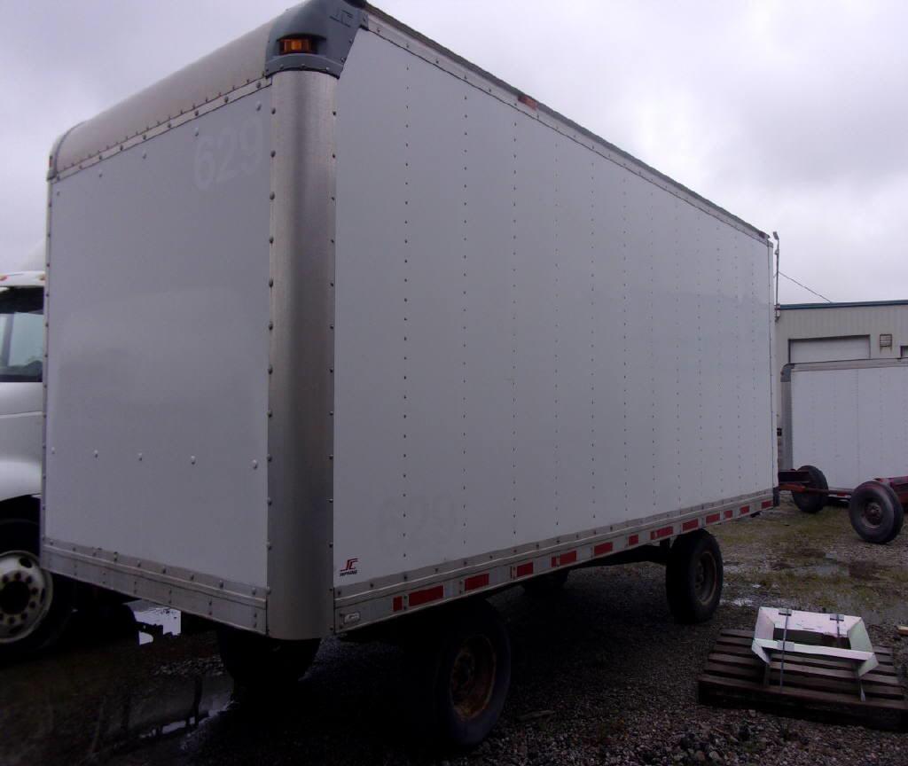 2011 Supreme 18' Van