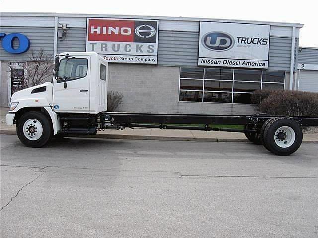 2011 HINO 268