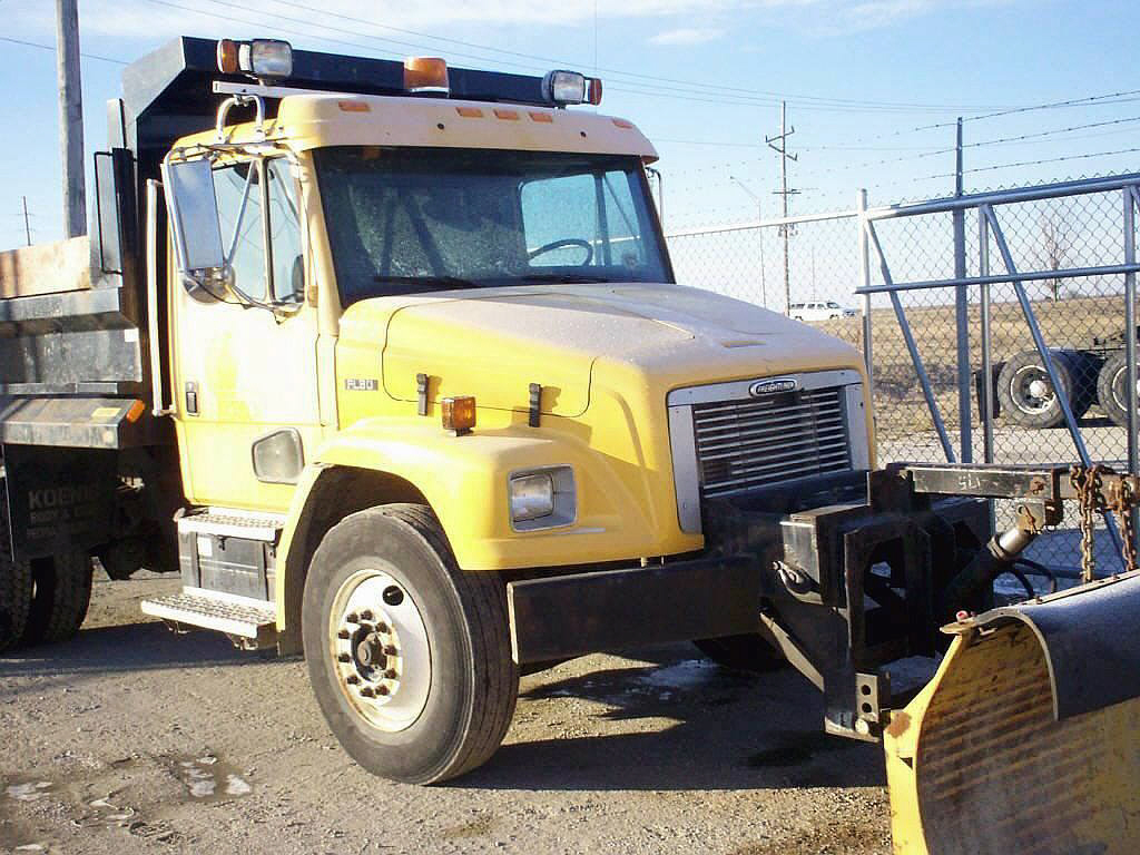 2000 Freightliner FL80