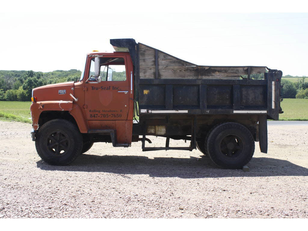 1984 Ford LN700