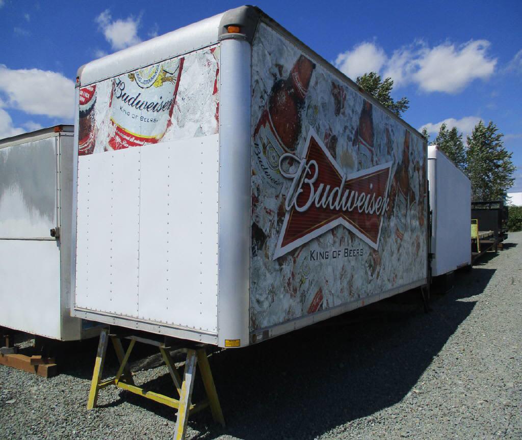 2005 Supreme 20' Box Van