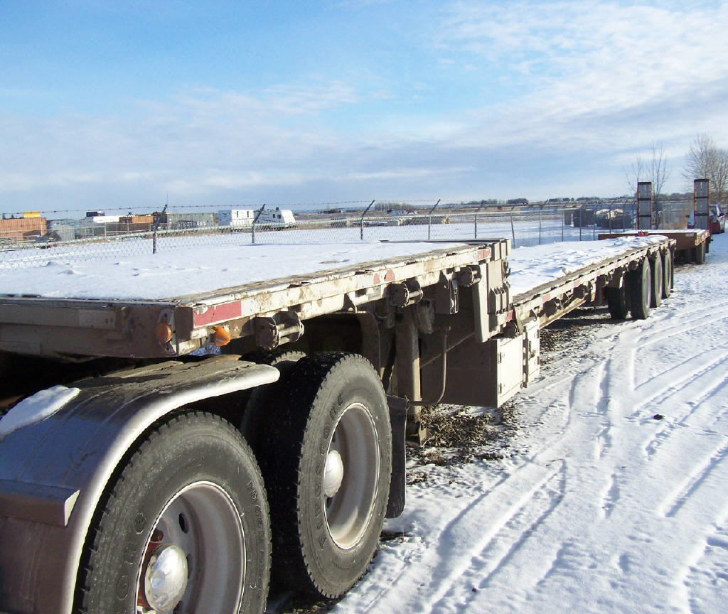 2004 Load King 53' tri axle dr