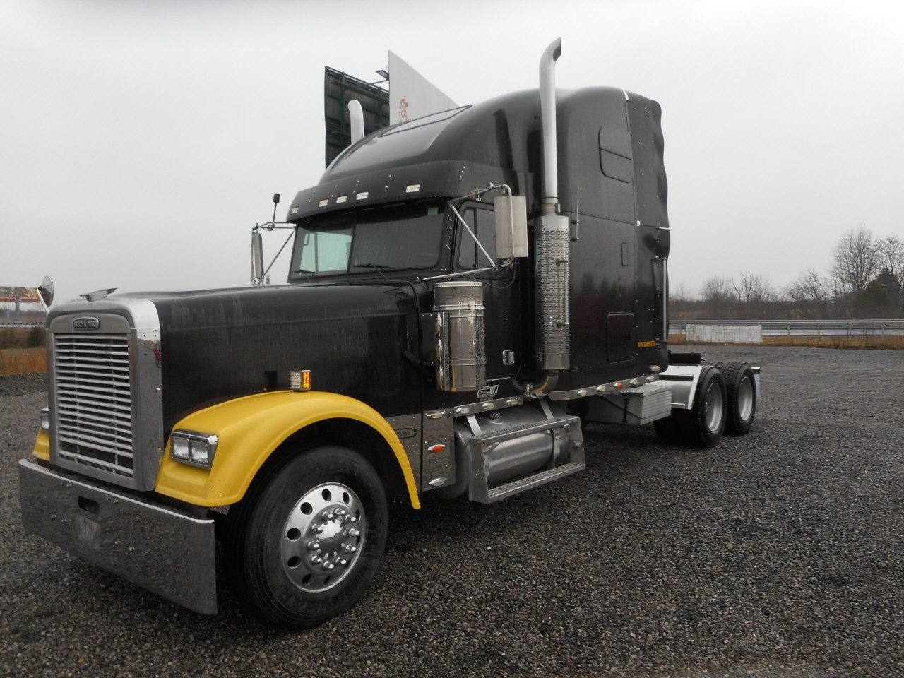 2003 Freightliner Classic XL