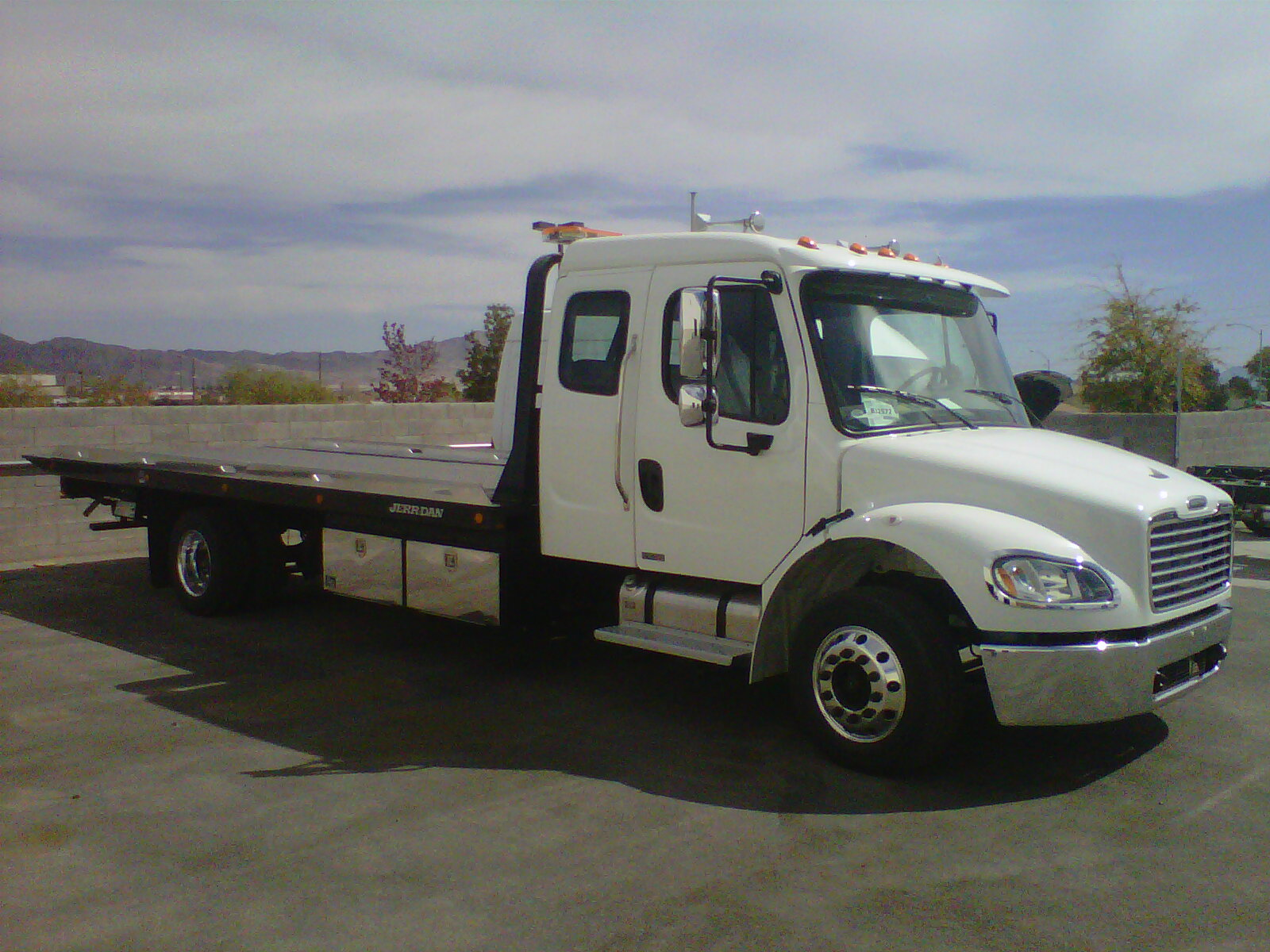 2012 Freightliner M2 X CAB