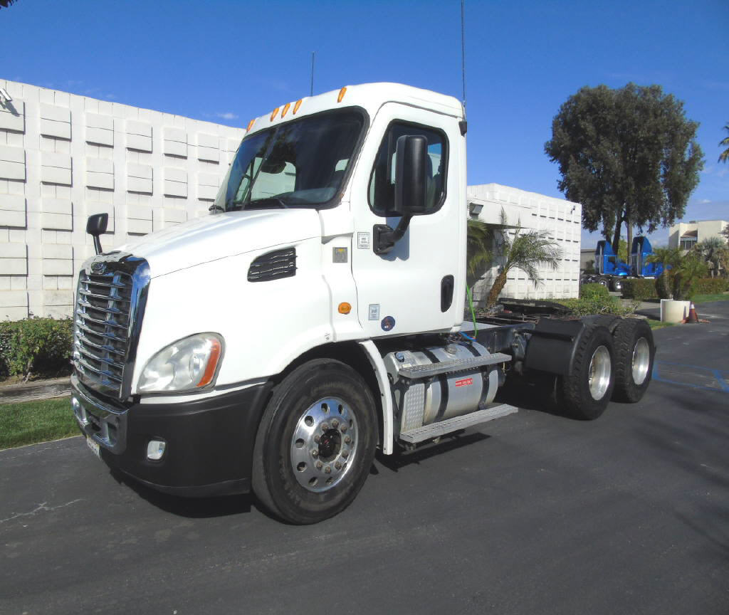 2013 Freightliner CASCADIA X11364