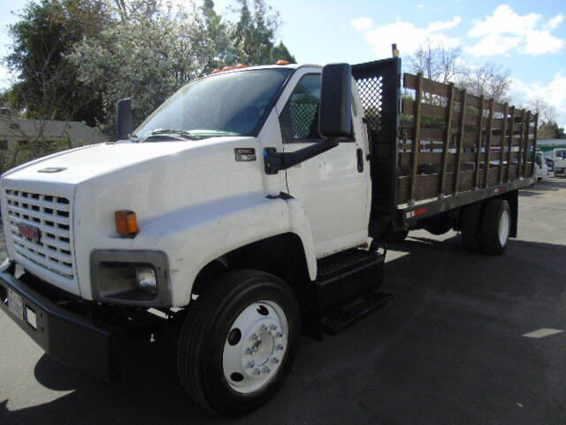 2006 GMC C7500 STAKEBED