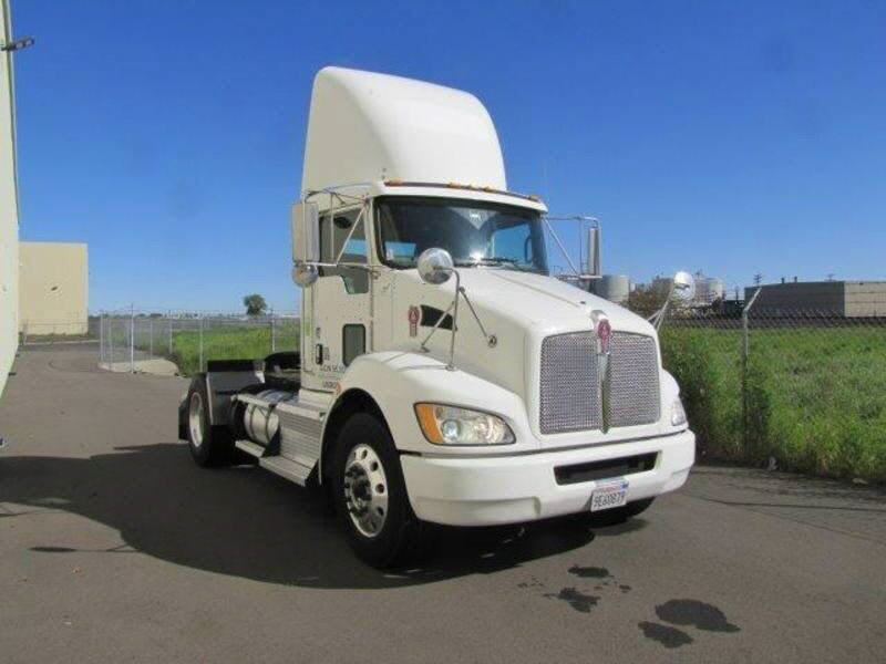 2011 Kenworth T370 2AXLE TRAC
