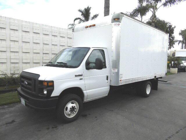 2015 Ford E350 15' BOX VA