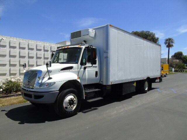 2014 International 4300 24' REEFER
