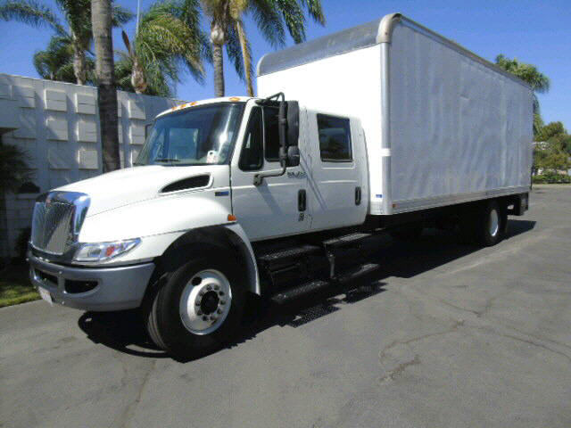 2014 International 4300 24' CREWCA