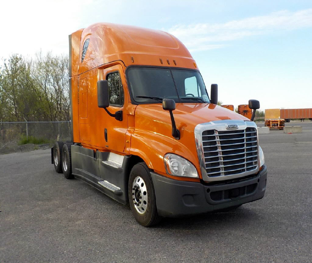 USED 2014 FREIGHTLINER CASCADIA SLEEPER TRUCK #75138