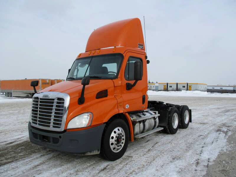 USED 2012 FREIGHTLINER CASCADIA DAYCAB TRUCK #70712