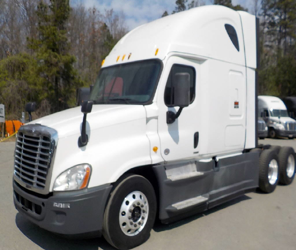 USED 2014 FREIGHTLINER CASCADIA SLEEPER TRUCK #72952