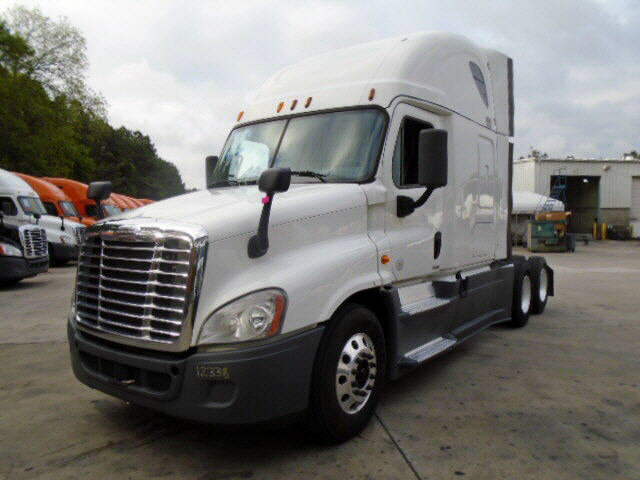 USED 2014 FREIGHTLINER CASCADIA SLEEPER TRUCK #77429
