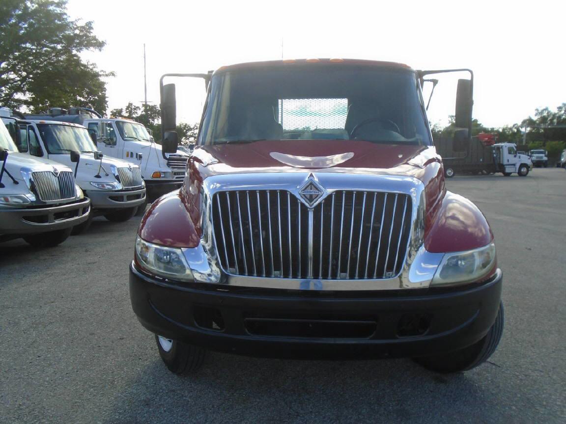 2004 International 4300
