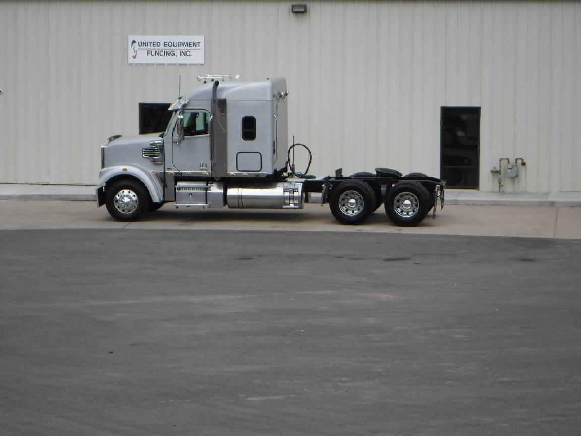 2012 Freightliner Corondado 122