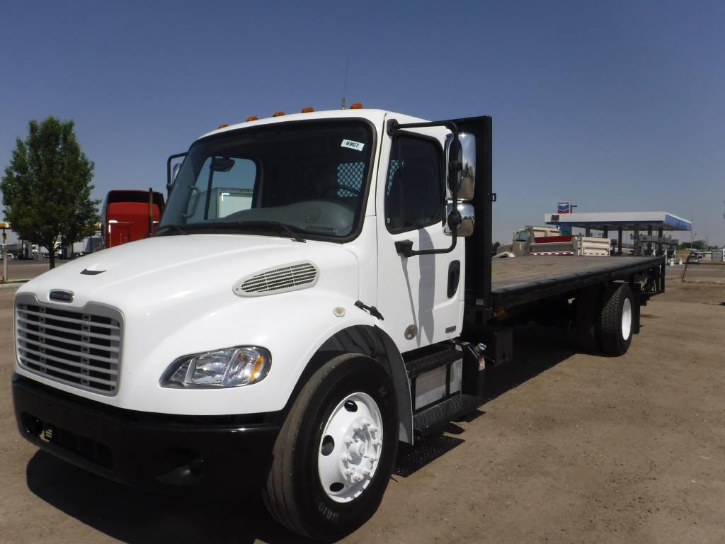 2011 Freightliner M2 106=